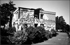 tagsMaurice Sève   25 08 2019 (20) (Bokey Shutter) Tags: fujicager ilfordpanf noirblanc lyon croixrousse