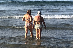 Daughter and Mother (RobW_) Tags: ritsa jacqui beach tsilivi zakynthos greece friday 09aug2019 august 2019 diaryphoto mdpd2019 mdpd201908