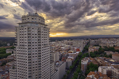 Torre Madrid y Princesa (invesado) Tags: madrid sky sunset nikon 20mm tower street spain princesa