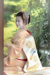 Maiko_20190526_121_3 (Maiko & Geiko) Tags: 20190526 eishoin temple kanohisa kyoto maiko 舞妓 栄摂院 叶久 京都 叶家 kanoya ksumika