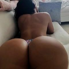 hot girl (big ass)