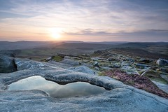 Stanage Edge (Simonbe) Tags: alpha nisi a7iii sony rock heather sunset derbyshire edge stanage