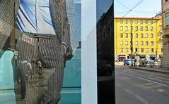 Progéniture... (Robert Saucier) Tags: milan milano affiche advertisement ad publicité rue street building architecture jaune yellow img0055