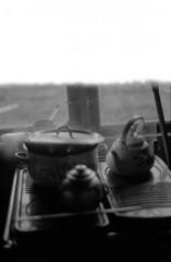 0 (mati.a) Tags: firstoftheroll teapot cocina kitchen analog film 35mm bw ilford ilfordhp5 hp5 nikon fm2 nikonfm2 ventana window