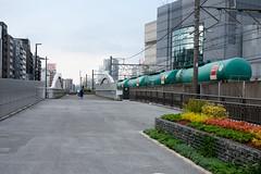 東横線跡地遊歩道 (kasa51) Tags: boardwalk promenade freightcar yokohama japan 旧東横線跡地 遊歩道 cityscape bridge 1932(昭和7)年全通 みなとみらい線 2004(平成16)年開業
