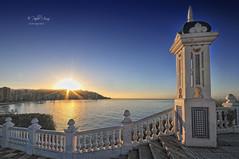 (220/19) Buenos días (Pablo Arias) Tags: pabloarias photoshop nx2 cielo nubes arquitectura paisaje mar agua mediterráneo amaneces elcastell benidorm alicante