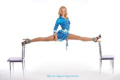 shpagat-WEB (Mikhail Lukyanov) Tags: woman girl beautiful cute gymnast twine exercise joke fun