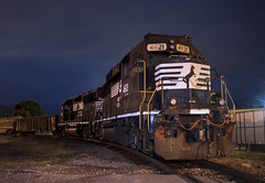 NS AC18 at Chattanooga, TN (KD Rail Photography) Tags: ns norfolksouthern emd electromotivedivision gm generalmotors generalmotordiesel gp59 gp383 nightexposure nighttime nightlife chattanooga tennessee tennesseevalley trains railroads transportation diesellocomotive diesel locomotive localtrains