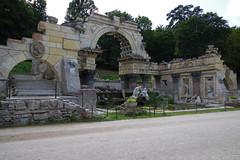 """Römische Ruinen"", Schloss Schönbrunn, Wien (AWe63) Tags: brunnen park schlosspark schloss schönbrunn wien österreich pentax pentaxk1mkii cawe63"