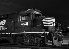NS AC18 at Chattanooga, TN (KD Rail Photography) Tags: ns norfolksouthern gp59 emd electromotivedivision gm generalmotors diesellocomotive diesel locomotive localtrains blackandwhite chattanooga tennessee trains railroads transportation nightexposure nighttime nightlife nightlight