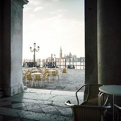 ... earlybird@venezia ... (Norbert H.) Tags: portra160 kodakportra160 analog mittelformat venice 120mm venezia venedig