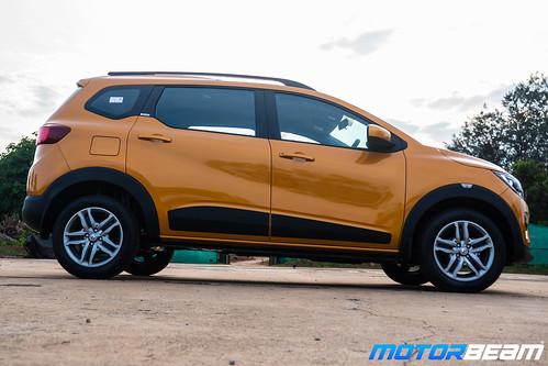 Renault-Triber-11