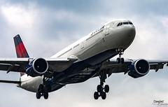 N830NW en aproximacion final (Dawlad Ast) Tags: aeropuerto internacional amsterdam schiphol ams holanda international airport 2019 spotting aviation avion plane airplane aterrizaje landing paises bajos airbus 330302 n830nw delta air lines sn 1769 a330 330300 a333 330