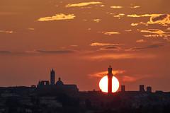 Sun behind Siena (hbothmann) Tags: sunset sun sonne skyline clouds tramonto sonnenuntergang wolken siena 日落 abendstimmung abendlicht 日没 锡耶纳 シエーナ fe100400mmf4556gmoss hendrickbothmann