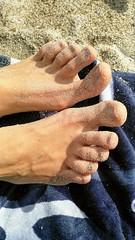 Bare Feet (Kulawy Strzelec) Tags: 2018 europa europe october październik autumn fall jesień nokia michalkawecki sardinia sardynia sardegna luimpostu beach plaża italia italy włochy santeodoro water sea sun sand feet barefeet