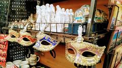 Gift Shop in Florence (Kulawy Strzelec) Tags: 2018 europa europe october październik autumn fall jesień nokia michalkawecki florencja firenze florence town miasto italia italy włochy toskania tuscany toscana giftshop mask souvenir