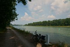 Biketour (Lutz Blohm) Tags: biketour stevensp18 pinionp118getriebe sonyalpha7aiii fahrradtour rhein rheinufer sonyfe24105mmf4goss fluskilometer411 brühl
