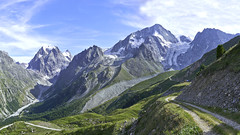 The highlands of Arolla (Karl Le Gros) Tags: 2019 arolla cantonduvalais montcollon mountains panorama pignedarolla swissalps switzerland xaviervonerlach landscape remointsedepragra valdhérens mountaintrail