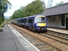 Class 170 DMU travelling south arrives at Dunkeld & Birnam station. (calderwoodroy) Tags: station scotland perthshire scotrail railwaystation highlandrailway perthkinross highlandmainline dunkeldbirnamstation dunkeld birnam dieselmultipleunit class170dmu 170433