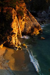 mcway falls into sea (sculptorli) Tags: mcway nature california sunset dusk light evening crépuscule twilight crepuscolo tramonto закат falls 日落 暮 旰 曛 昃 oscuridad anochecer crepúsculo tinieblas anochecida заходсолнца вечерняязаря конец waterfall cascada cascade водопад 瀑布 瀑 wasserfall waterval slipdas waterafloop vodopád vandfald vattenfall slap cascadă bigsur