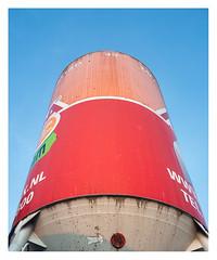 Daar slaan (leo.roos) Tags: colo lens rood rond bouwplaats solaag ltm rf 1965 m39 zomz madeinussr darosa russianlenses sovietglass orion15628 orion15286 leoroos орион15 zagorskopticalmechanicalplant a7rii загорскийоптикомеханическийзавод reddot silo constructionsite