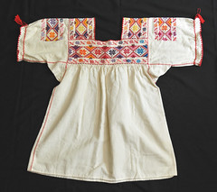 Mexican Blouse Purepecha Michoacan Textiles (Teyacapan) Tags: blusas blouses mexico michoacan embroidered textiles vestimenta clothing ropa purepecha