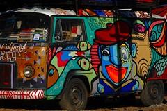 Sebo cultural de Paraty (Edgard.V) Tags: brasil brésil brazil brasile paraty rj streetart urbanart callejero mural graffiti graf van arte urbano kombi