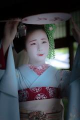 Maiko_20190630_121_19 (Maiko & Geiko) Tags: 20190630 kouunji temple kanohisa kyoto maiko 舞妓 光雲寺 叶久 京都 叶家 kanoya ksumika
