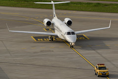 Follow Me! (Jsny05) Tags: zrh embraer emb175