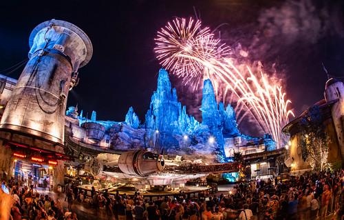Star Wars: Galaxy's Edge Disneyland Fireworks 2019