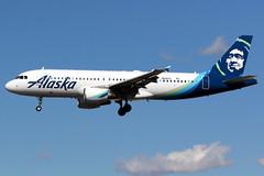 Alaska Airlines | Airbus A320-200 | N641VA | Las Vegas McCarran (Dennis HKG) Tags: aircraft airplane airport plane planespotting canon 7d 100400 lasvegas mccarran klas las alaska alaskaairlines asa as usa airbus a320 airbusa320 n641va