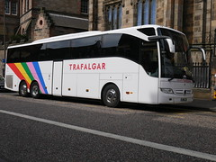 NJM Humphries & Sons t/a Coach Miles of Thatcham Mercedes Benz Tourismo JH18JJH, in Trafalgar Tours livery, at Johnston Terrace, Edinburgh, on 21 August 2019. (Robin Dickson 1) Tags: trafalgartours busesedinburgh mercedesbenztourismo coachmiles jh18jjh humphriesofthatcham