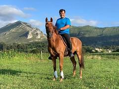 Amaranto🐎 y Jose🏇 . Pupilaje para caballos en Ribadesella, acceso a increíble rutas de montaña, río y playa‼️ . No pases otro verano sin tu compañer@, haz que forme parte de tus vacaciones! . . . #cuadraelalisal #caballos #h