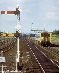 Sprinter And Semaphores (Michael McNicholas) (Neil Harvey 156) Tags: railway 150214 barnetby northlincolnshire class150 class1502 dmu multipleunit provincialrailways sprinter semaphoresignal michaelmcnicholas