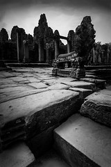 Angkor Wat, Cambodia (pas le matin) Tags: bw nb noiretblanc blackandwhite monochrome travel voyage world cambodge cambodia angkor angkorwat siemreap ruines ruins architecture buddhism ancient stone pierre temple asia asie southeastasia wat va vat canon 7d canon7d eos7d canoneos7d