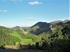 Distant view to Klamm Castle ruins from the railway, Breitenstein, Austria (Paul McClure DC) Tags: semmering austria may2019 scenery loweraustria niederösterreich österreich railroad railway castle