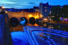 Blue and Gold (Nige H (Thanks for 25m views)) Tags: landscape cityscape bath cityofbath pulteneybridge pulteneyweir river riveravon night summer england bridge arches