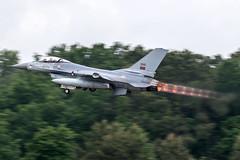 15110 / Portuguese Air Force / General Dynamics F-16AM Fighting Falcon (Charles Cunliffe) Tags: canon7dmkii aviation montdemarsanairbase lfbm portugueseairforce poaf forçaaéreaportuguesa generaldynamicsf16amfightingfalcon 15110