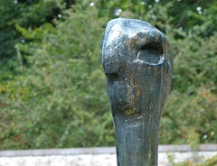 Detail sculpture Femme Oiseau by Karel Appel (joeke pieters) Tags: 1490793 panasonicdmcfz150 kasteelnijenhuis musemdefundatie museum beeldentuin beeld sculpture karelappel femmeoiseau vogelvrouw heino salland overijssel nederland netherlands holland
