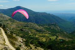 RU_201908_Parapente_033_x (boleroplus) Tags: decollage gourdon horizontal mer montagnes parapente paysage provencealpescotedazur france