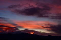 DSC_4577 (griecocathy) Tags: paysage coucher soleil ciel nuage noir jaune violet orange gris bleu