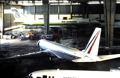 K1532E 06Jn81 UTA Hangar LBG (fergusabraham) Tags: lfpb lbg uta 45820 46043 tutap b747 dc8 boeing747 parislebourget douglasdc8 airafrique armeedelair frenchairforce