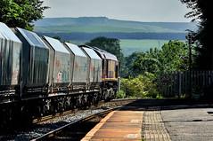 Edale Empties (whosoever2) Tags: uk united kingdom gb great britain nikon d7100 train railway railroad june 2019 edale peakdistrict derbyshire dbcargo class66 66139 4f01 pendleton mountsorrel