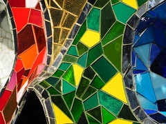 buntes Nasenbein (1elf12) Tags: bunt colorful germany deutschland hannover sprengelmuseum kunst art skull schädel meditationroom niki nikidesaintphalle skulptur sculpture