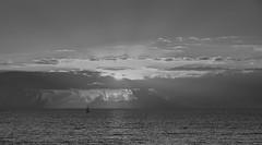 jlvill  219  Ausencia de color # 6 (Atardecer en la Bahia de Cadiz (jlvill) Tags: ocasos atardecer puestadesol bahia cadiz mar nubes horizonte blancos negros wb bw new 1001nightsthenew