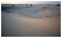 Shades of sand (leo.roos) Tags: strand nl zand voigt wijd solaag sunset beach monster sand sandengine sandmotor zandmotor cosina cv darosa emount leoroos a7rii voigtlanderheliarhyperwide10mmf56 voigtlander1056