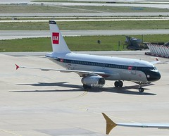 British Airways                                      Airbus A319                                     G-EUPJ (Flame1958) Tags: britishairways britishairwaysa319 baretrojet britishairwaysretrojet retro retrojet paris pariscdg cdg cdgairport parisairport geupj parischarlesdegaulle ba100 2019 charlesdegaulleairport 0819 8123 220819