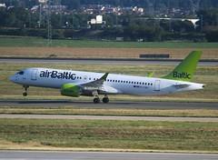 Air Baltic                                   Airbus A220-300                                   YL-CSD (Flame1958) Tags: airbaltic airbaltica220 airbalticcs300 cs300 a220 ylcsd paris cdg pariscdg parischarlesdegaulle parisairport cdgairport charlesdegaulleairport 0819 2019 220819 8177