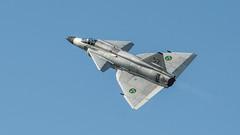 SAAB 37 Viggen (tonyguest) Tags: saab 37 viggen military aircraft jet aviation ronneby f17 airshow flygdag blekinge bluesky tonyguest 52