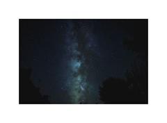 depuis le jardin (anthony29520) Tags: breizh bretagne finistère france châteauneufdufaou milkyway voielactée étoiles ciel sky stars night nuit